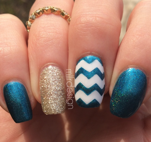 Holo chevron right hand