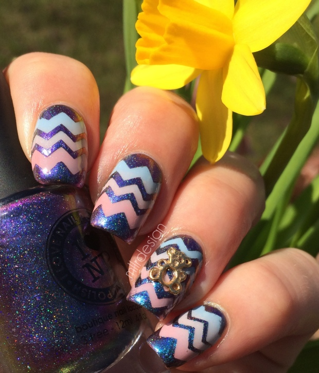 Blue pink gradient chevron