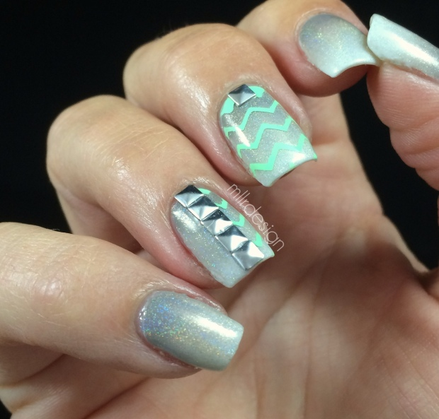 Holo gradient chevron